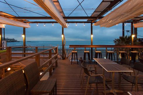 海沿いの キコリ食堂