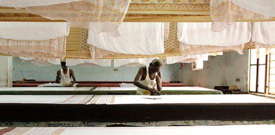ATELIER MUJI『布、色、インド』展