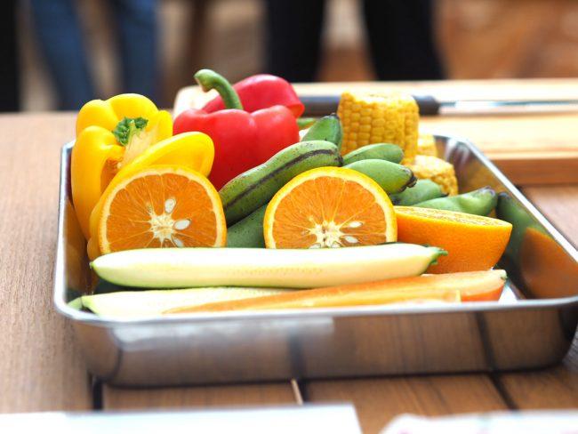 フォトジェニックなカラフルな野菜たち