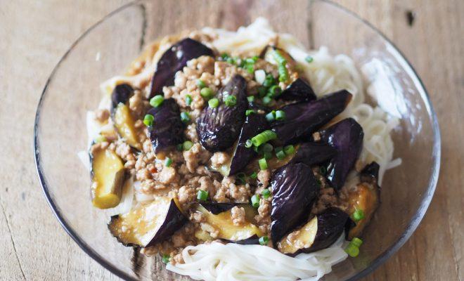 麻婆茄子のジャージャー麺風うどん