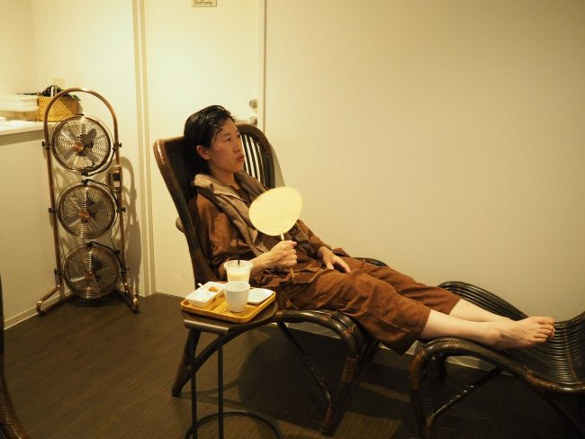 休憩室でのんびり