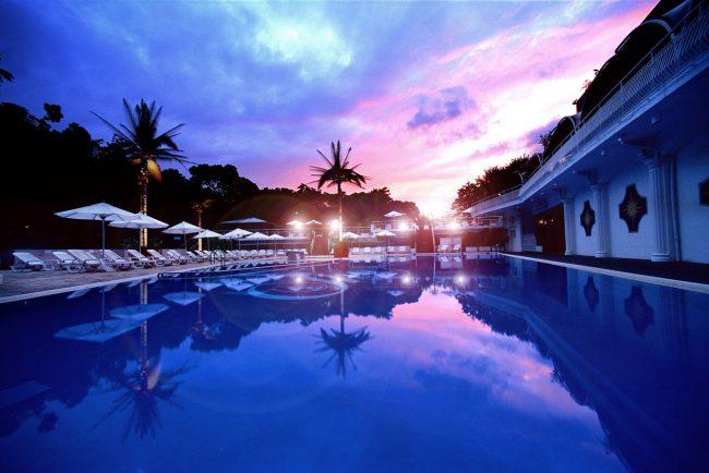 この夏、最強のプールリゾートが開幕!ホテルニューオータニのプールに飛び込もう!