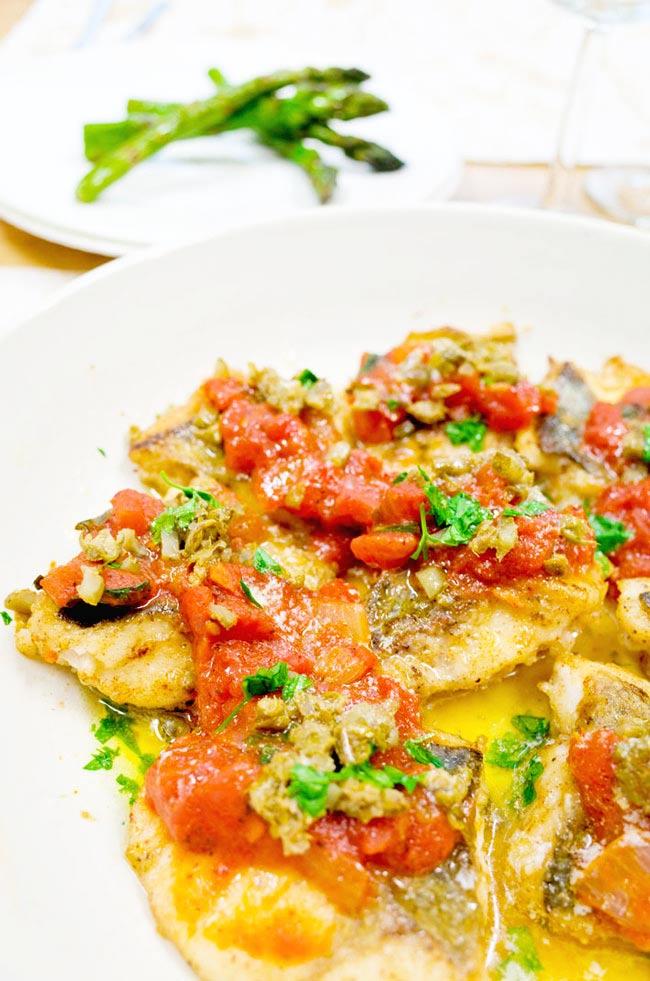 白身魚のムニエルバジルトマトソース