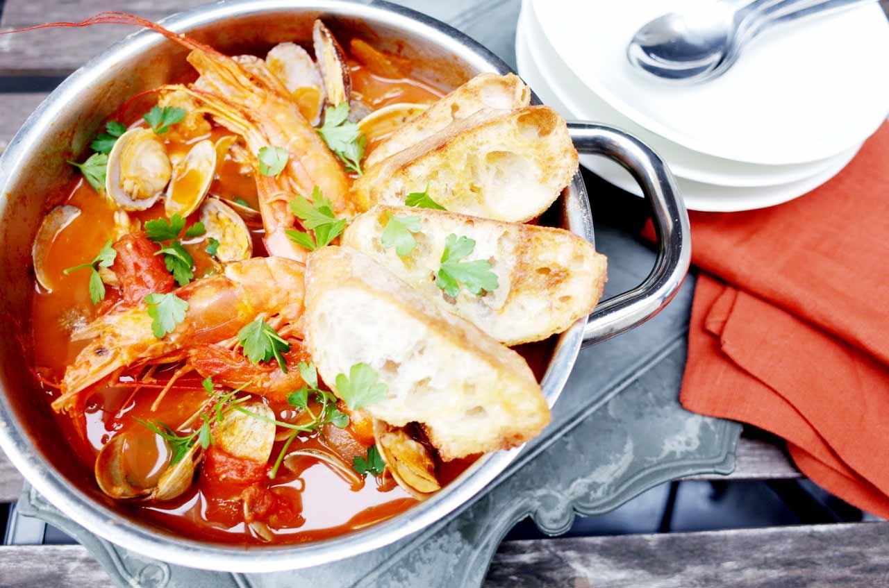 地中海風 魚介のトマトシチュー