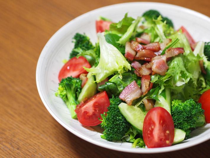 ブロッコリーの彩りサラダ