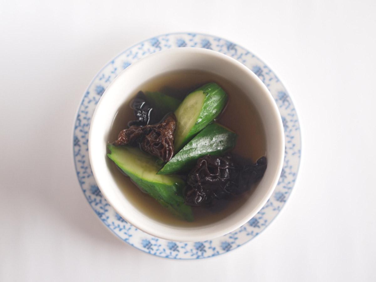 きゅうりときくらげのスープ