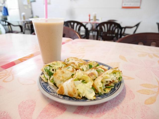 蛋餅と薏仁漿