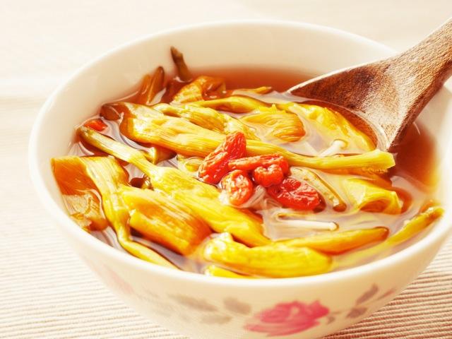 """お土産にもおすすめな食材""""金針菜""""と""""はまぐりのスープの素""""を使った鉄分たっぷり薬膳スープ (レシピ有り)"""