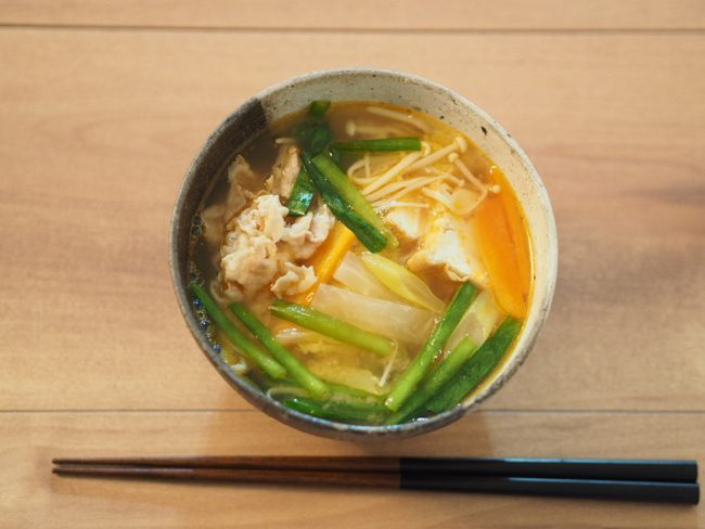 【レシピ】便秘や肌荒れの解消!白菜たっぷりキムチ汁