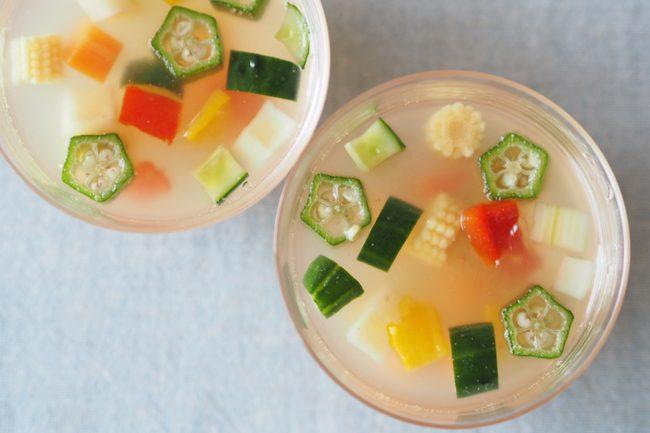 【レシピ】おいしく体温調整を!カラフル夏野菜のゼリー寄せ