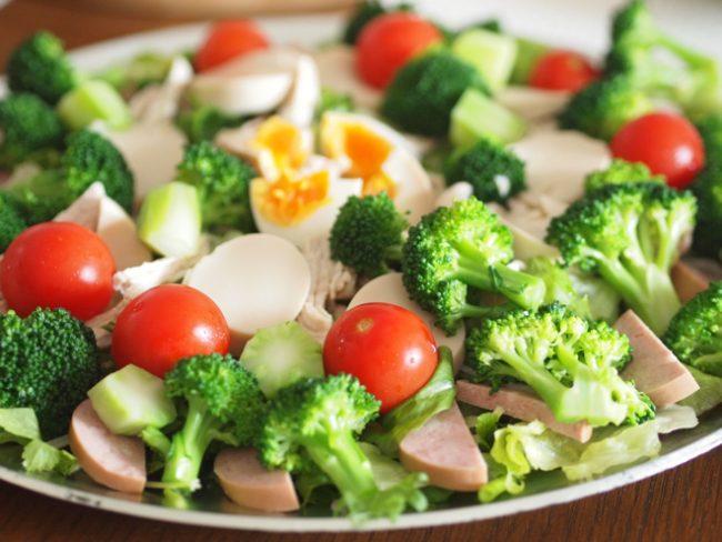 【レシピ】バランスよく華やかに!なんでも・ごちそうサラダ