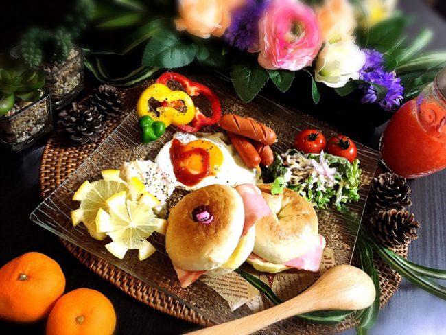 【朝ごはん】主婦 amikuma1219さんの焼き立てベーグルの朝ごはん
