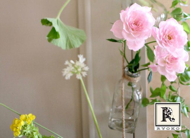 壁も春の花でいっぱいに!