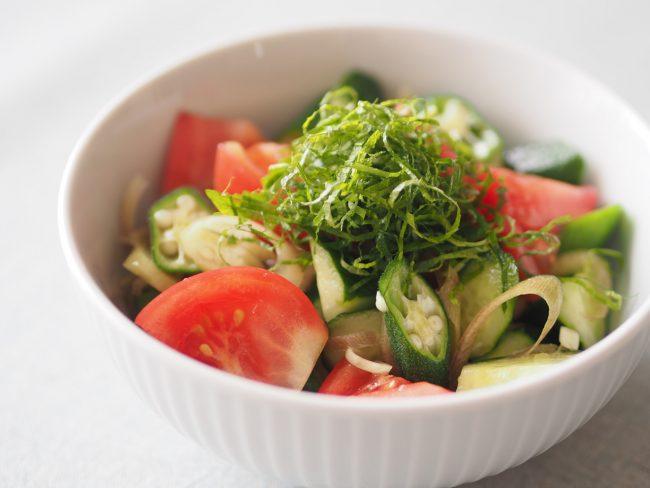 【レシピ】オクラのネバネバを味方に!夏野菜のごま油和え
