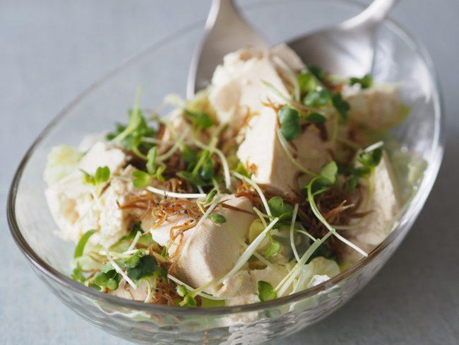 【レシピ】残暑を乗り切ろう!豆腐とレタスのサラダ