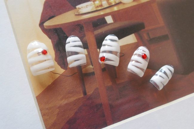 【ネイル】ハロウィンには遊び心が溢れるミイラネイルを!