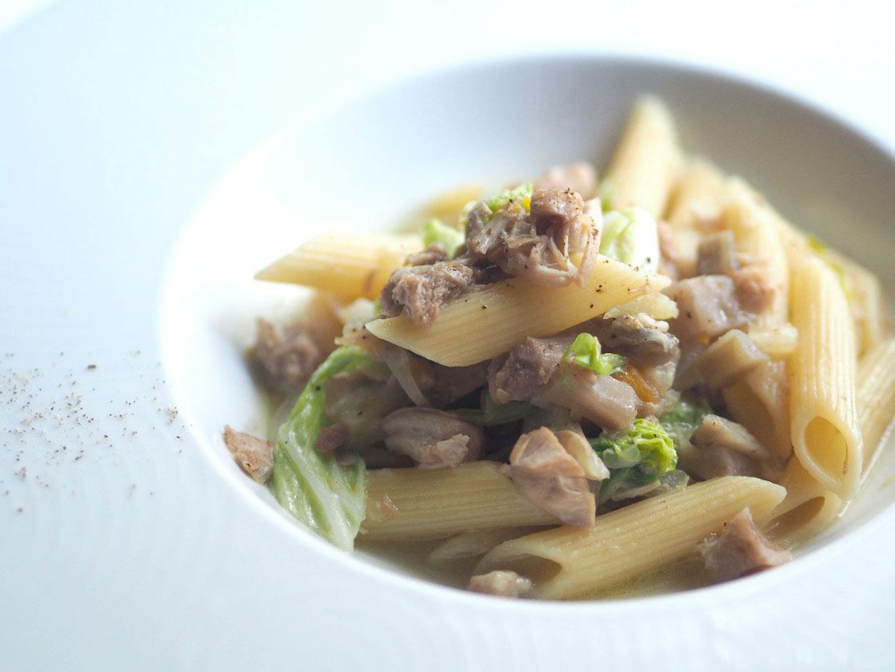 鶏肉・白菜・根菜のラグーソースペンネ