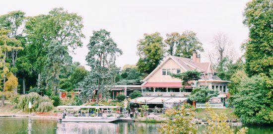 まるでおとぎ話の世界!パリのレストラン「Le Chalet des Iles」(ル シャレ デ ジル)