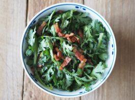 春菊とベーコンのサラダ