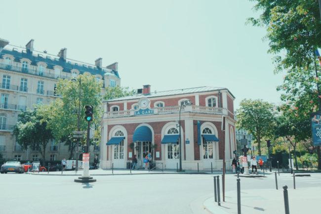 パリ16区 元駅舎のレストラン「La Gare」(ラ・ガール)