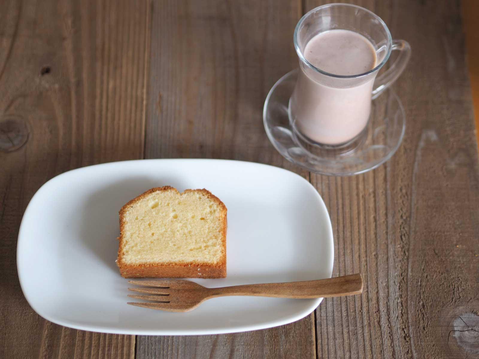 プレーンパウンドケーキとココア