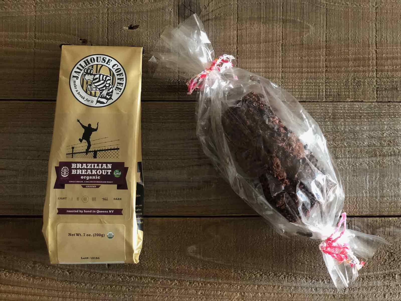 カカオニブとココアパウンドケーキとジェイルハウスコーヒー