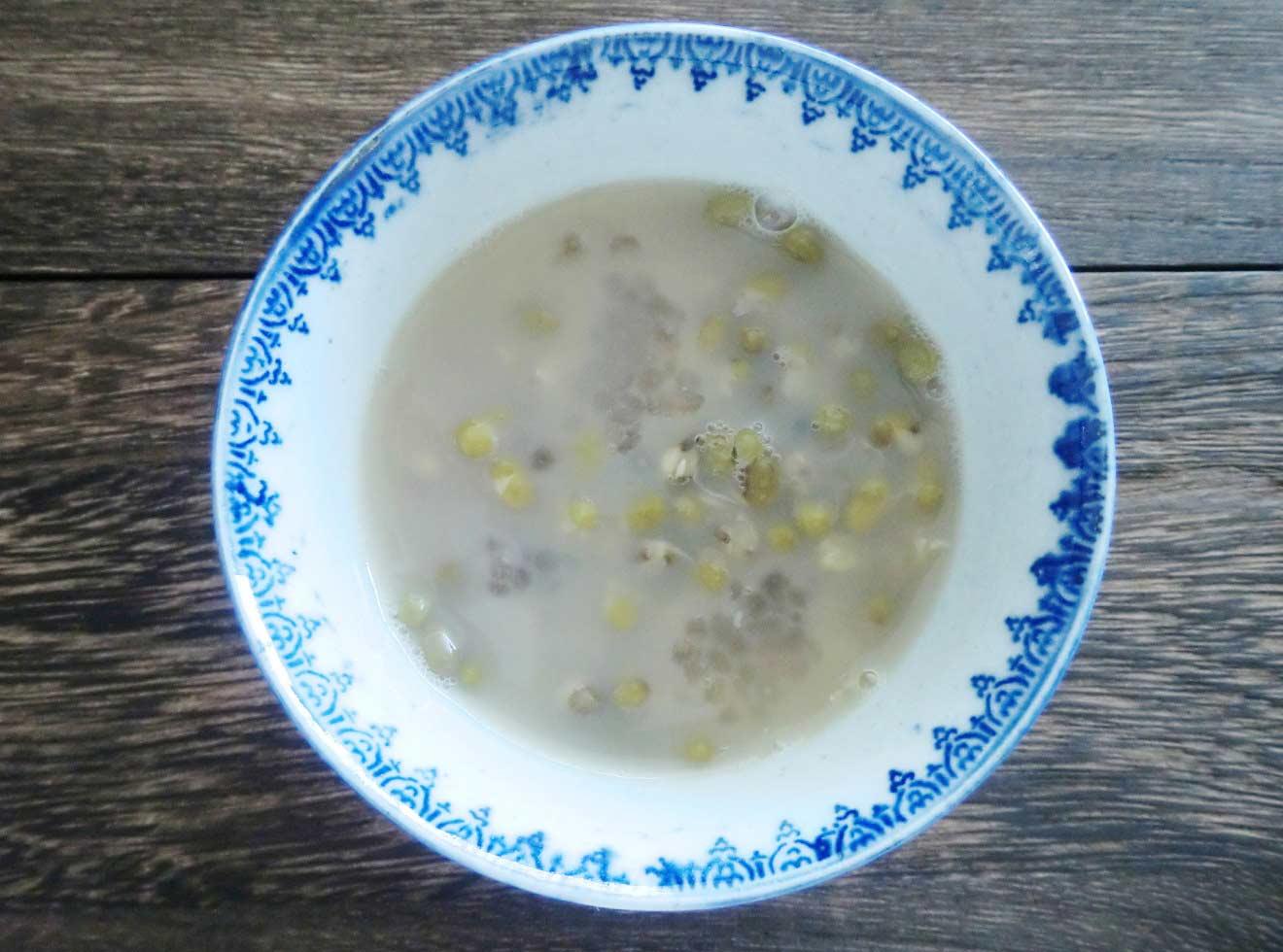 緑豆とタピオカの豆乳ミルクティー