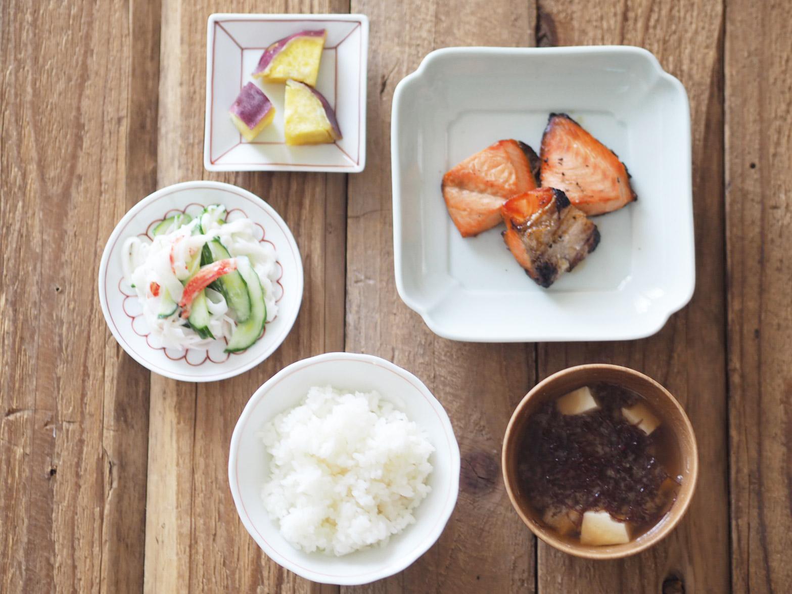 鮭の焼き漬け一汁三菜