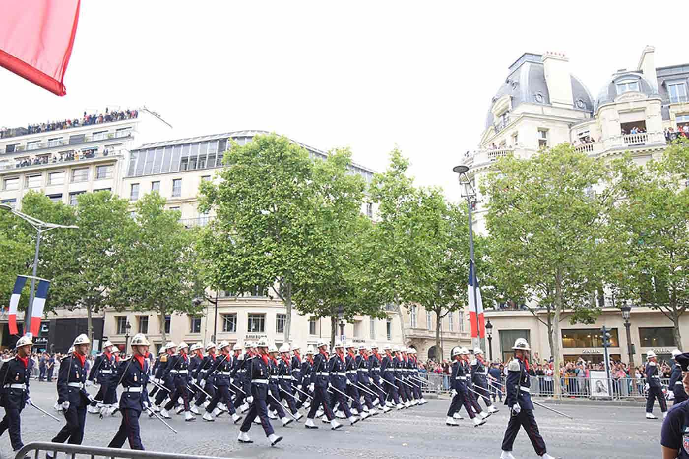 パリ祭り 軍事パレード&航空ショー