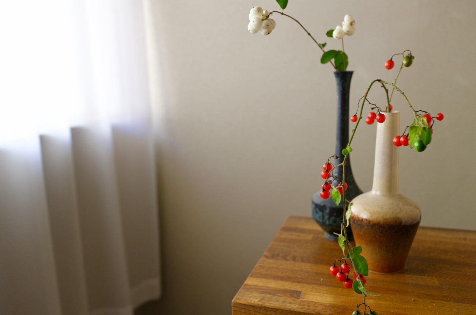植物の実を使ったアレンジメント