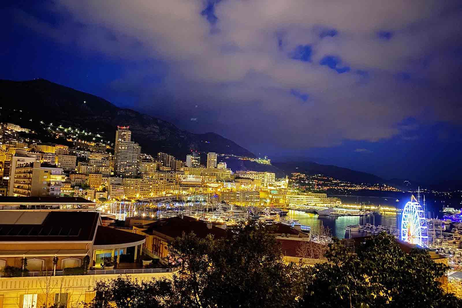 モナコ宮殿から見下ろしたモナコの街