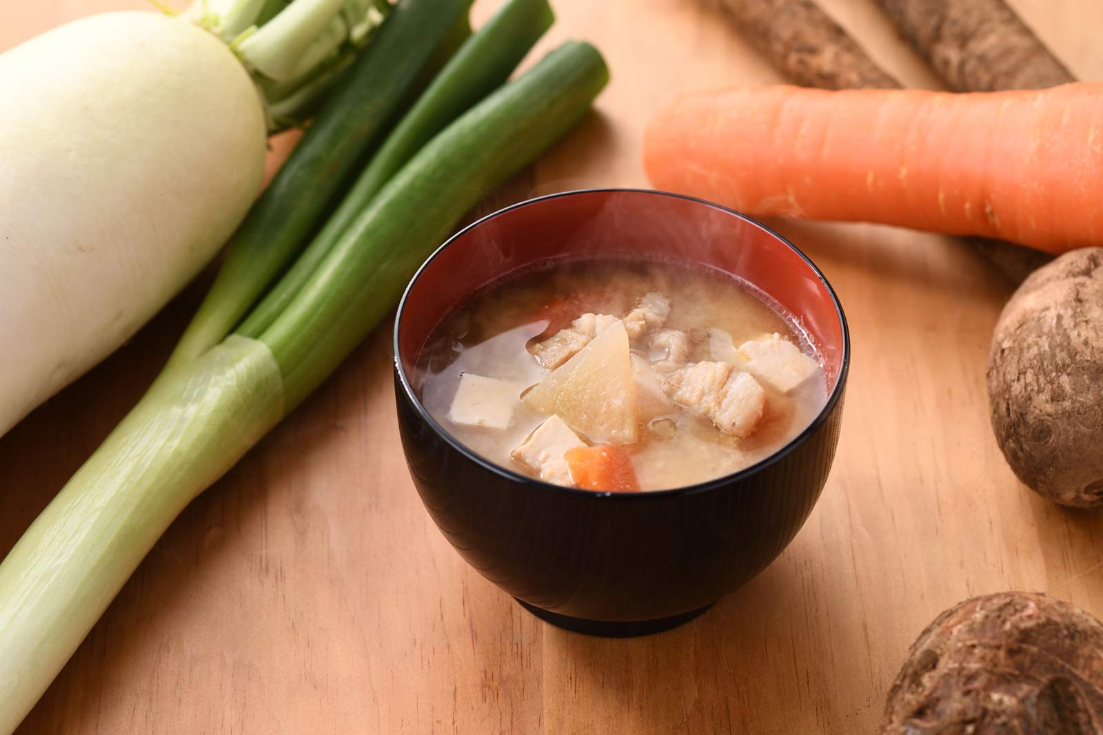 米澤豚一番育ちのお味噌汁 おむすび ごっつ食べなはれ