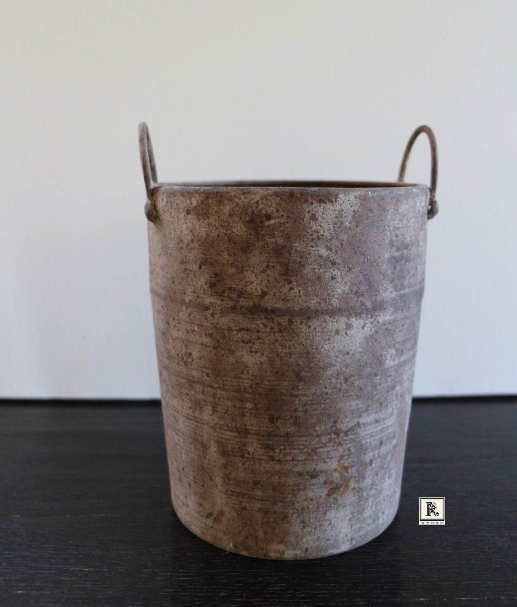 筒状の花器