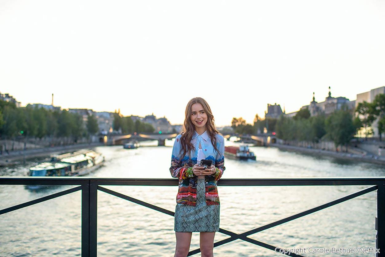 エミリー、パリへ行く