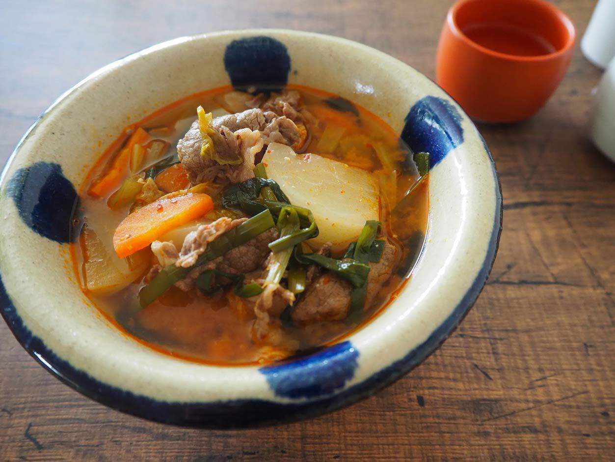 牛肉とかぶのピリ辛キムチスープ