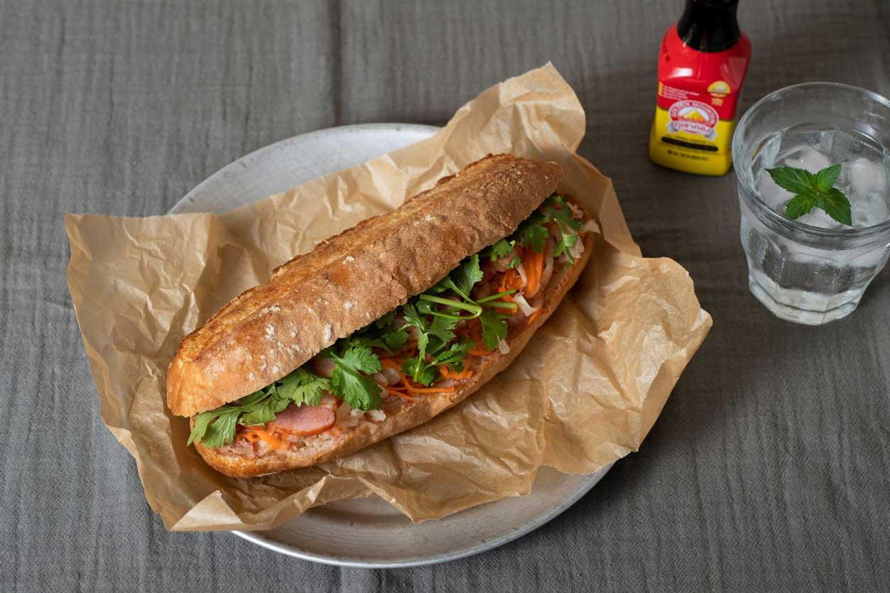 バインミーのサンドイッチ「ホームベーカリーで作る高級専門店のパン」