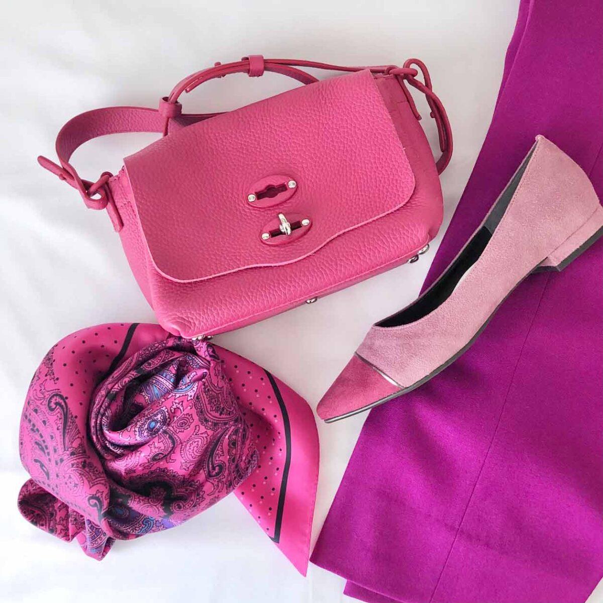 ピンクのファッションアイテム