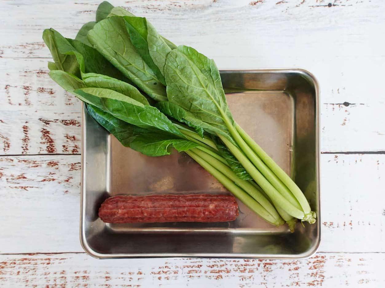 小松菜とサラミ