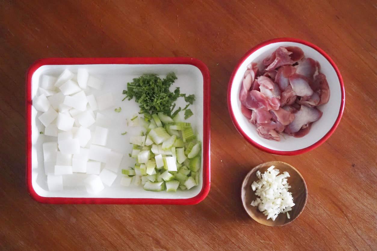 砂肝ともち麦のスパイシースープ 材料