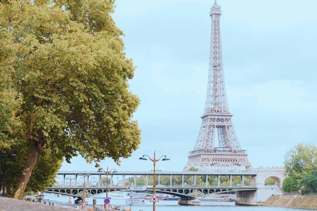 パリの風景 エッフェル塔